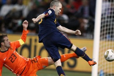 11 LUGLIO 2010   Iniesta consacra la Spagna Mondiale