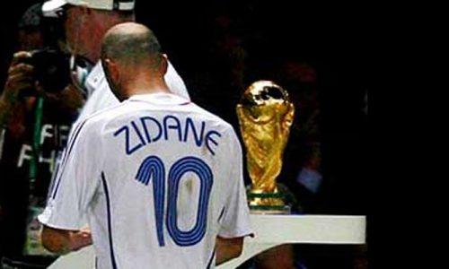 09 LUGLIO 2006   Zidane archivia la sua carriera nel modo più incredibile